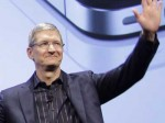 Apple CEO Tim Cook hat gut Lachen